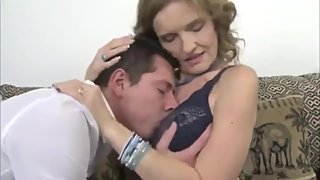 Shameless mature stepmom gets rough fucked by her 18yo virgin stepson