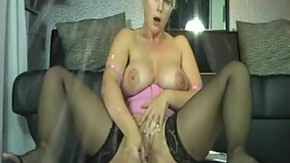 Step Mom Arab Have A Wet Pussy On Webcam