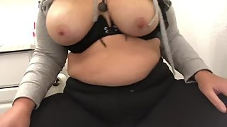 This bbw mommy needed a solo quicky