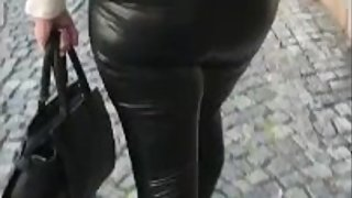 Walk in shiny leatherette leggings 5