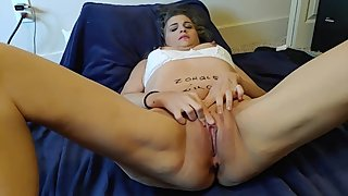 MILF squirting pussy solo