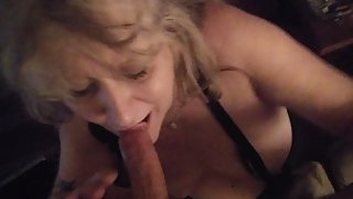 BEAUTIFUL GREEN-EYED MILF GIVES SONS FRIEND GREAT SLOPPY FACIAL