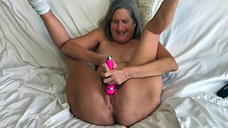 Hot Milf Vibes Her Pussy Til White Creamy Cum Runs Down