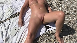 Flashing my pussy on the beach in Munich. Lovely place. Lovely people.