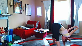 Yoga workout live show tip vibe in with Aurora Willows YouTube star