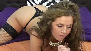 Wild babe loves anal toying on webcam