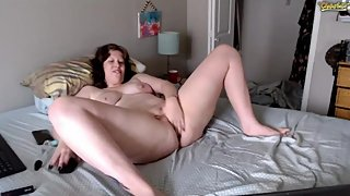 Webcam Ali3nmommy playing with gorgeous pussy