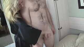 Shameless american mature jerking off her roommate's cock for the money