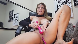 Sexy Rachel Play in the Office whit Ur Fingers and Vibrator PART 2