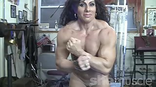 Muscular Naked Female Bodybuilder Shows Off Completely Nude