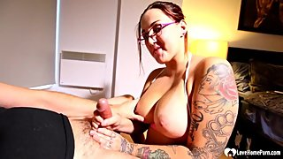 Astonishing tattooed stepmom helps with some sucking