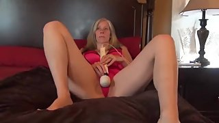 Stemom likes hardcore sex with her stepson while nobody home