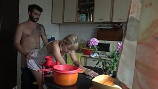 Wife gets fucked while she is cooking !