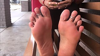 Indian Mom Shows Soles No Face